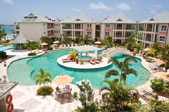 Bay Garden Hotel. Photo courtesy www.tripadvisor.co.uk