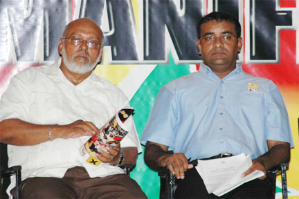 President Donald Ramotar and former president Bharatt Jagdeo. Photo courtesy www.stabroeknews.com