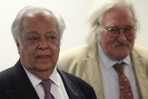 Sir Shridath Ramphal on the left. Photo courtesy CaribDirect