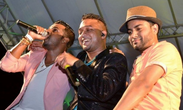 2016 Chutney-Soca Moanrch K.I. and his bandmates thrilled the party crowd.