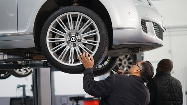 Prasads Automotive - Staff perform diligent diagnosis with state-of-the-art equipment