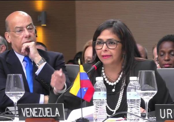 Sir Ronald Sanders (left) Delsey Rodriguez, Venezuela Foreign Minister (right) at the OAS General Assembly