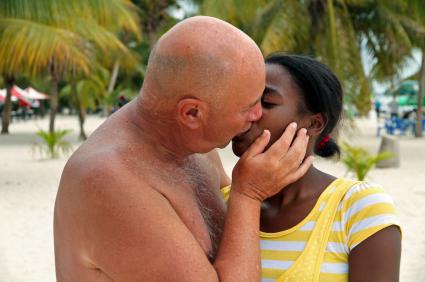 Black girls kissing pics